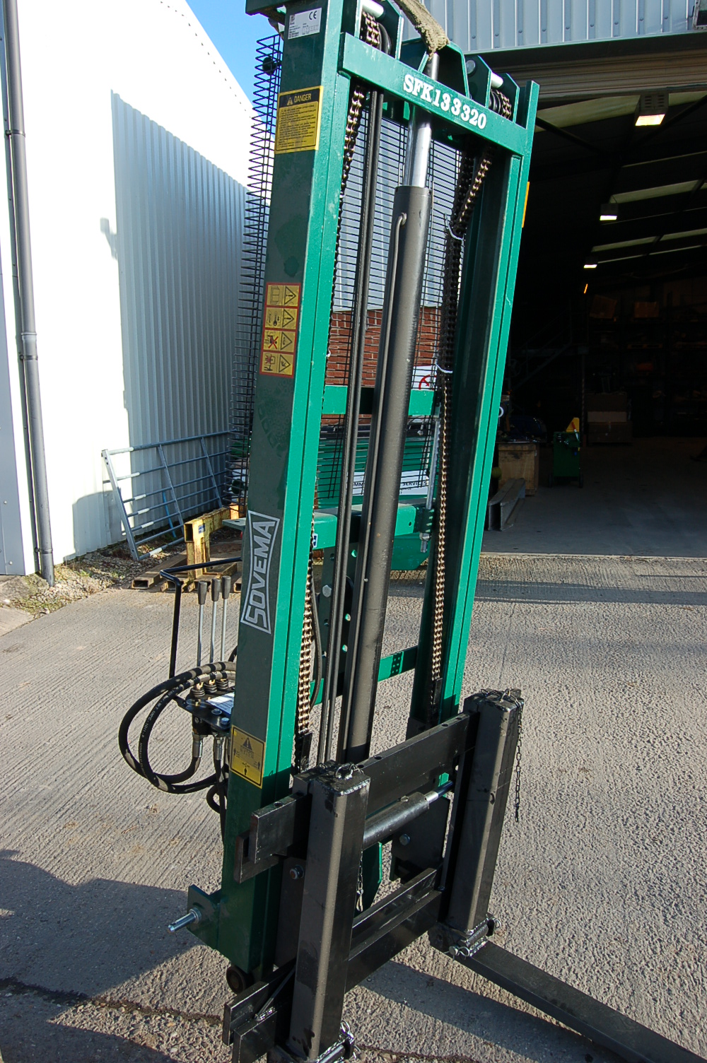 SFK Hydraulic Forklifts and Goal Post Lifter – Kilworth